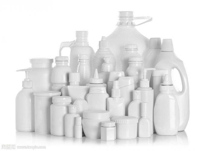 Műanyag palack címkéző gép vegyipari termékekhez, PLC és érintőképernyős vezérlőrendszer
