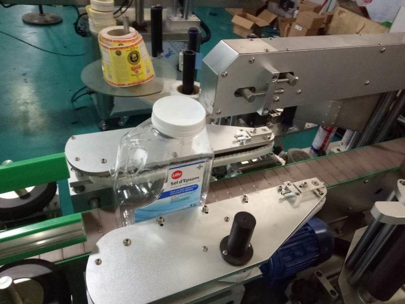 Kína SUS304 szekrény kétoldalas szögletes palack matrica címkéző gép személyi ápoló termékek szállítóval