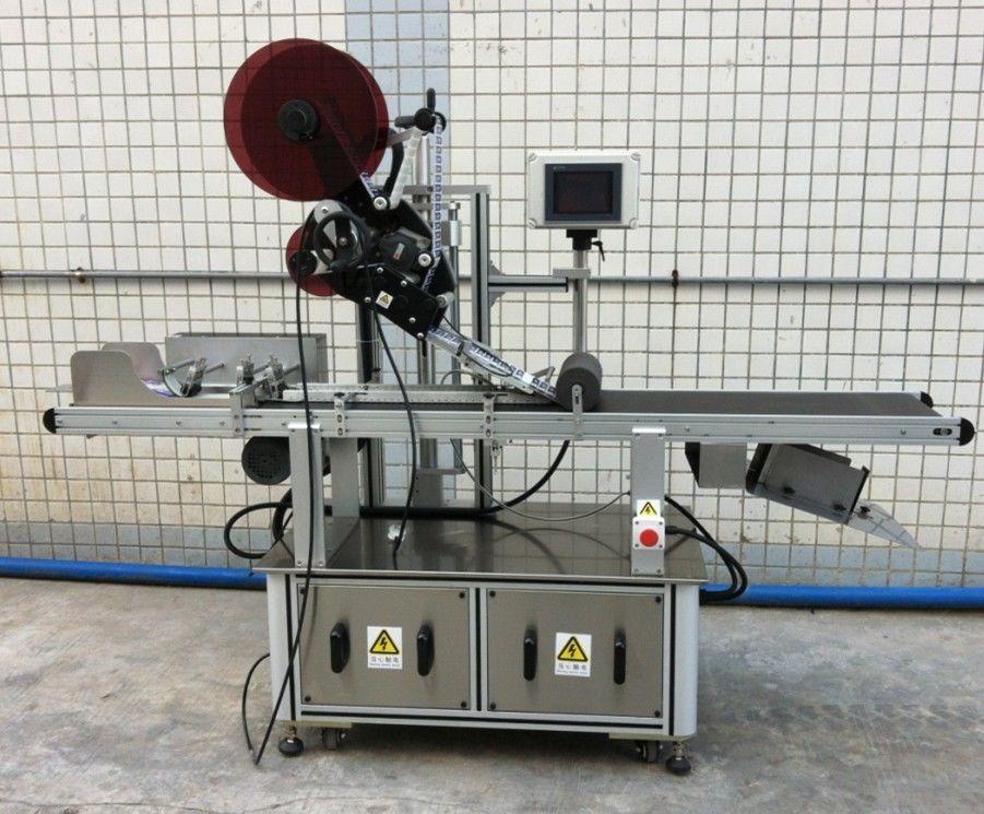 Felső címkézőgép maszkhoz / szétterített kartonhoz / papírzacskókhoz